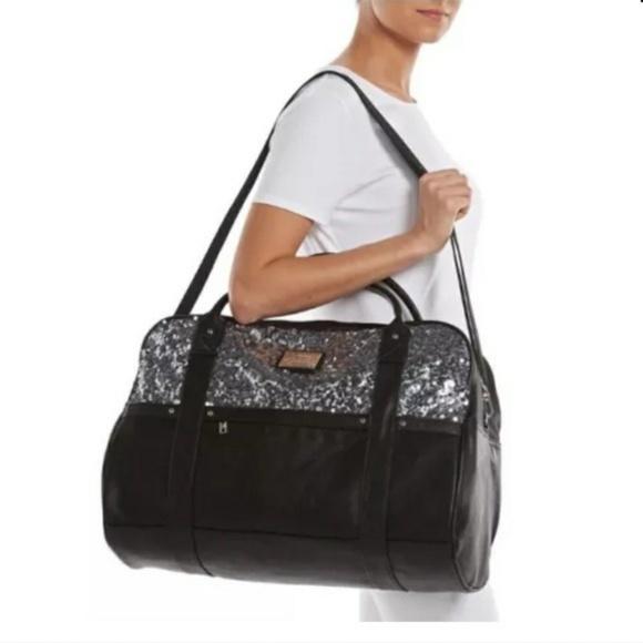 Juicy Couture Handbags - Juicy Couture Duffle Bag c8e74c74808d